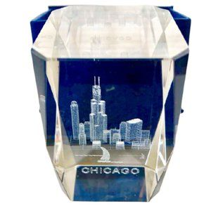 CRYSTAL Paperweight Chicago Skyline